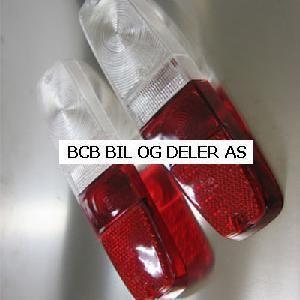 BAKLAMPEGLASS SATS MED HVIT BLINK VOLVO 145-245 >>1980